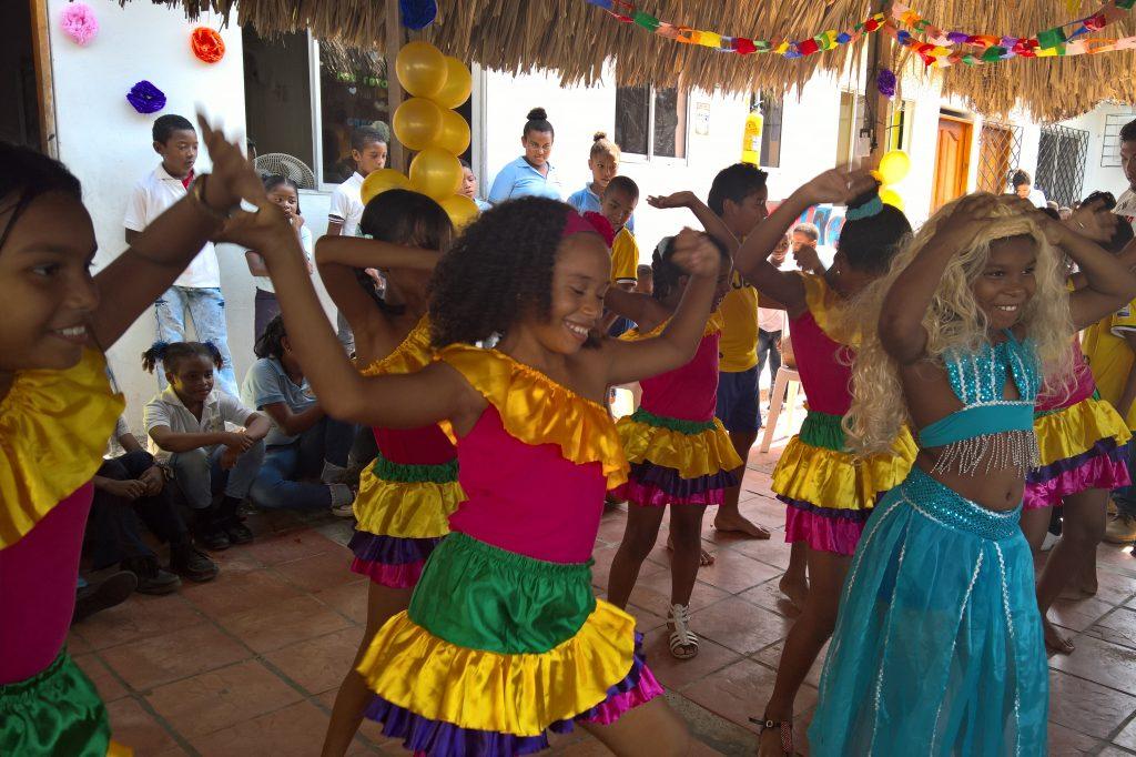 Kids 4th grade performing, La Vecina 9th birthday