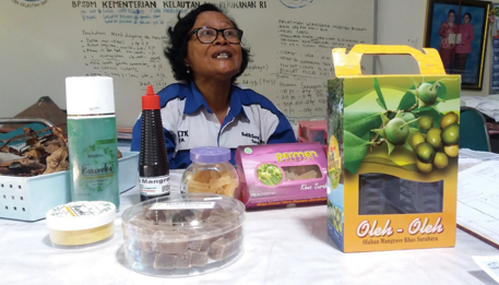 Candies and beauty products that are sustainably produced from nearby mangroves.