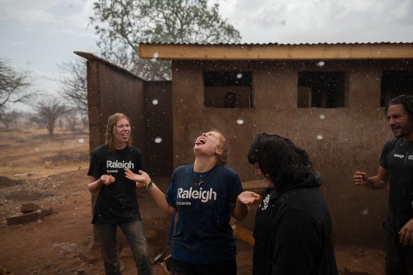 Image of people having fun while volunteering
