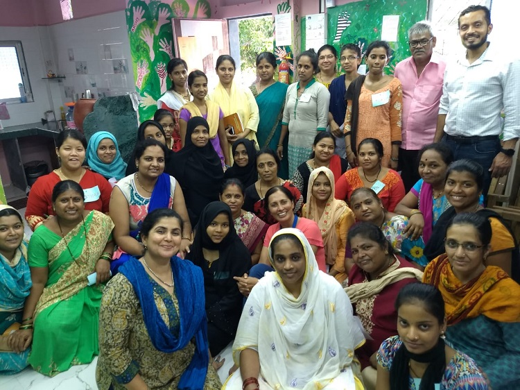 Global Fellow Yaser with ACT team and beneficiaries in Mumbai
