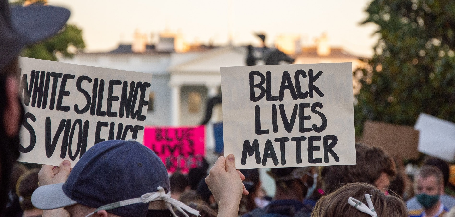 black-lives-matter-protesters-holding-signs
